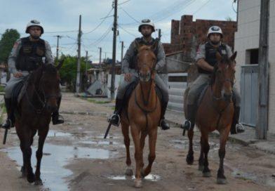 Polícia Militar prende foragidos da Justiça acusados de homicídio