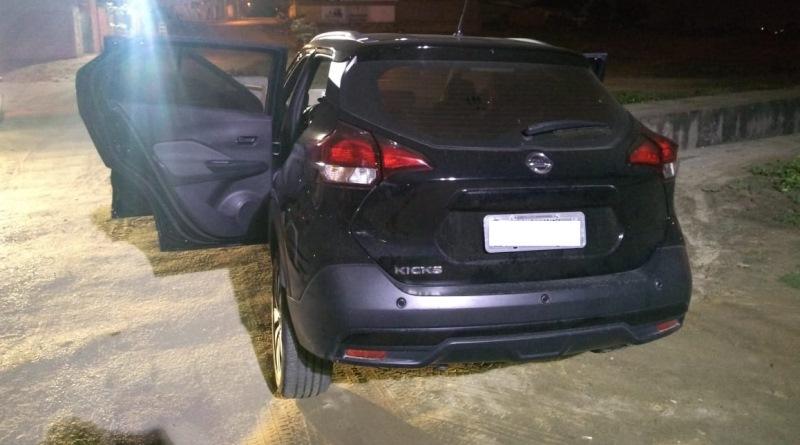 Polícia Militar prende dupla suspeita de roubo de carros em Campina Grande
