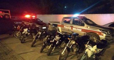 PM interrompe 'rolezinho' de motos após flagrar participantes com placas adulteradas em Santa Rita