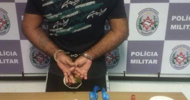 Polícia Militar ocupa comunidade e flagra trio suspeito com drogas em João Pessoa