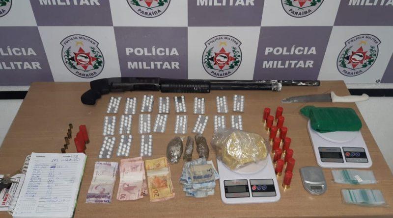 Polícia Militar monta cerco no bairro São José e apreende arma e drogas na casa de suspeito envolvido em tiroteio