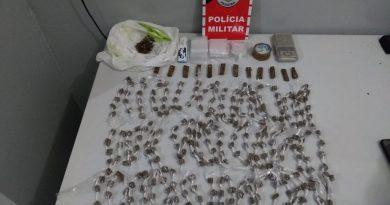 Adolescente é apreendido com mais de 300 embalagens de drogas prontas para a venda em Santa Rita