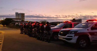 Polícia Militar impede homicídio no sertão, prende dupla e apreende armas de fogo que seriam usadas no crime