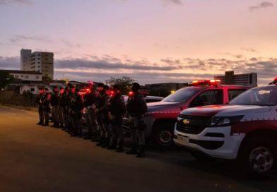 Polícia Militar captura foragido da Justiça e apreende pé de maconha no Sertão