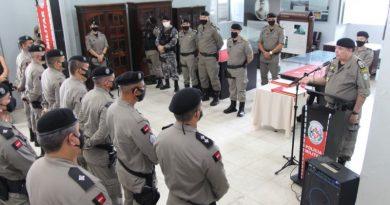 Solenidade entrega atos de nomeação de novos tenentes, e homenageia policiais militares que se destacaram em ocorrência que terminou com perseguição na capital