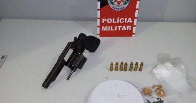 Polícia Militar apreende arma, drogas e balança de precisão com suspeito de tráfico em Bayeux