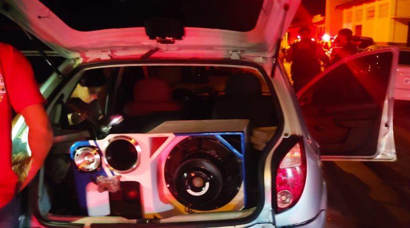 Operação Sossego: PM apreende aparelhos de som e aplica multa de R$ 7 mil por crime de poluição sonora